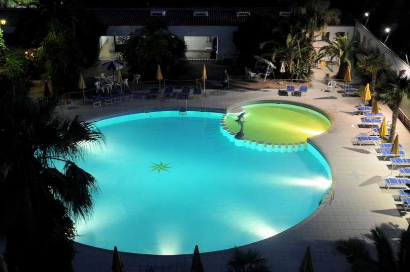 MARINA CLUB HOTEL | Baia Domizia