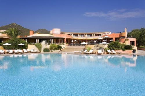 SANT'ELMO BEACH HOTEL | Costa Rei