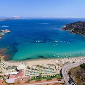 Sardegna . . . . . . . . . . . . [Baia Sardinia]