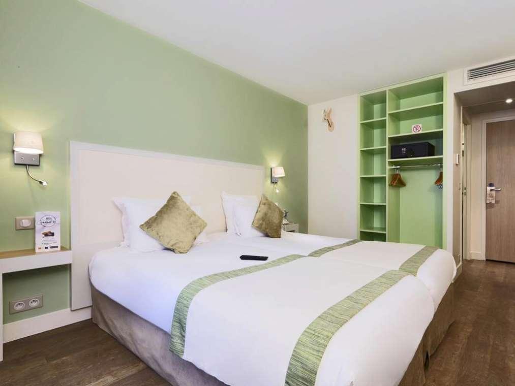 KYRIAD MONTMARTRE HOTEL o similare   Parigi