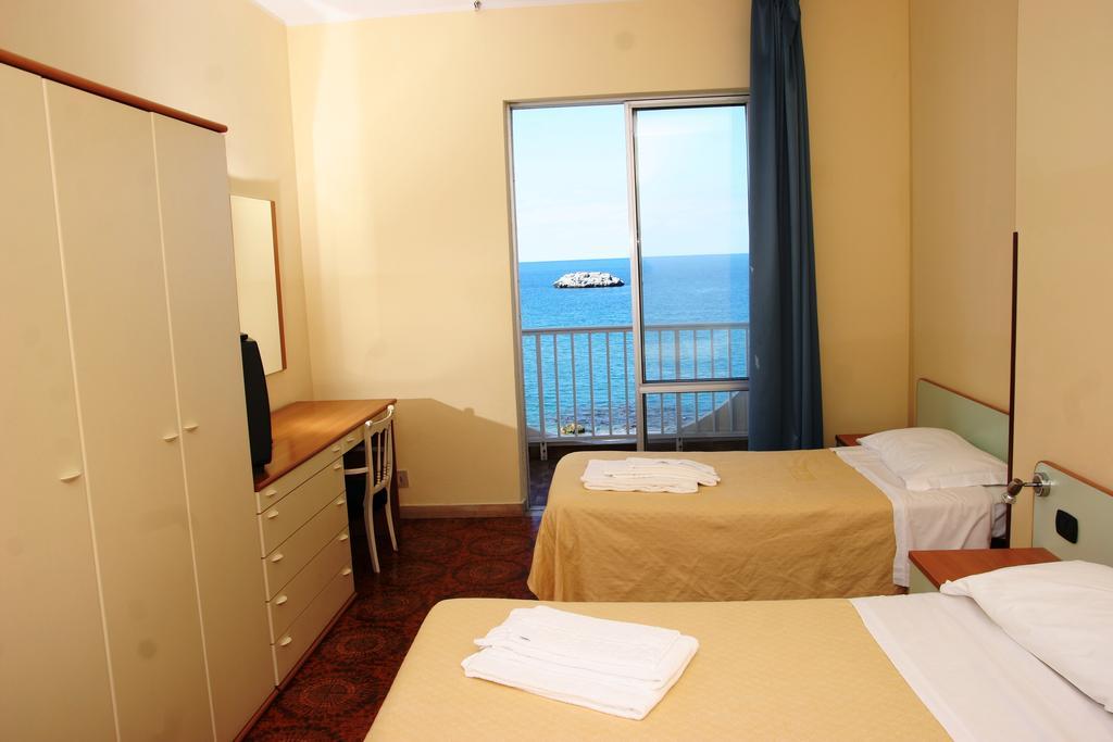 GATTOPARDO SEA PALACE HOTEL | Brolo