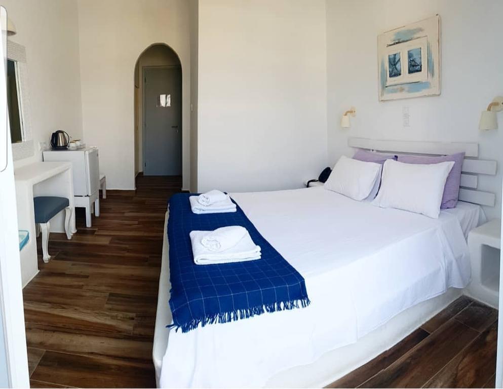 IRIS HOTEL | Paros