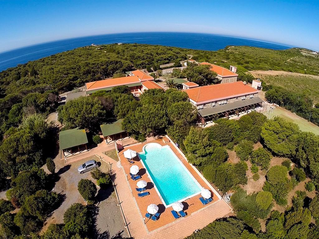 MEZZALUNA CLUB HOTEL | Isola di San Pietro