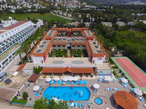 TIANA BEACH RESORT | Bodrum