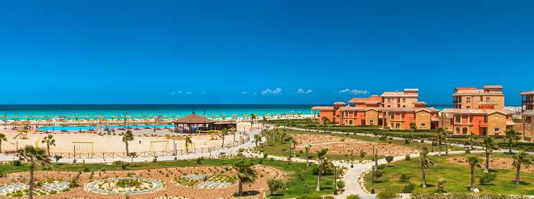 AURA BEACH RESORT   El Alamein