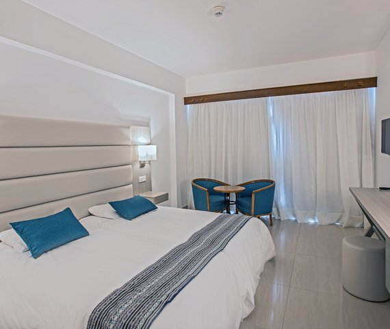 TSOKKOS ANMARIA BEACH HOTEL   Ayia Napa
